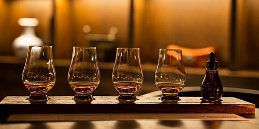 Team Bonding Whiskey Tasting - Corporate Events Online - Great ideas for team bonding online events